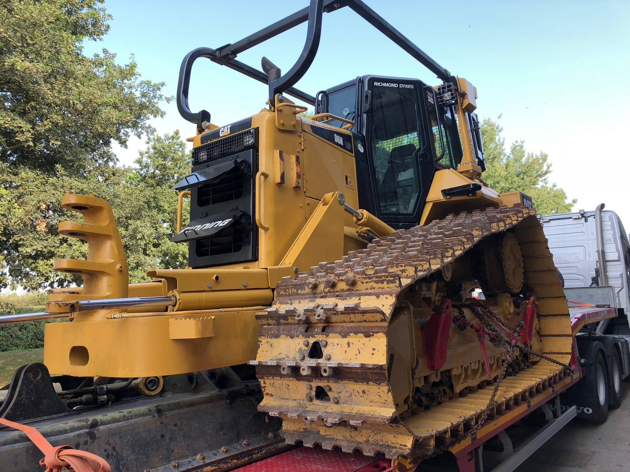 2011 Cat D6N LGP PAT blade 1600hrs